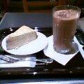 アイスカフェオレとミルクレープ